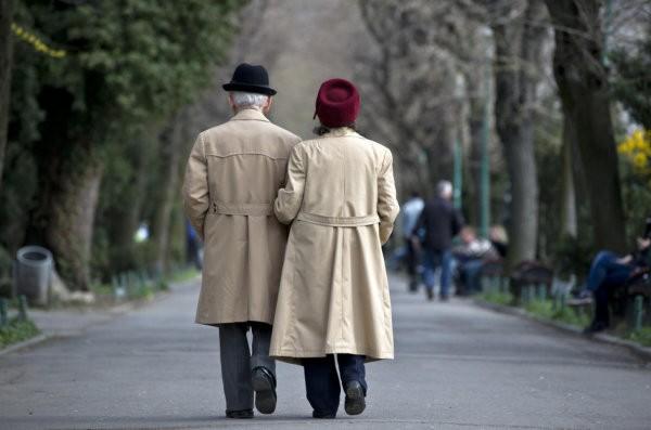 Retraités suisses moins bien lotis que leurs voisins (Photo: Keystone/AP)